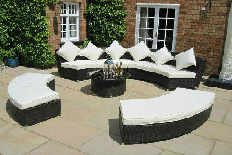 Oakita Amber Rattan Ultimate Garden Furniture Circular Sofa Set .