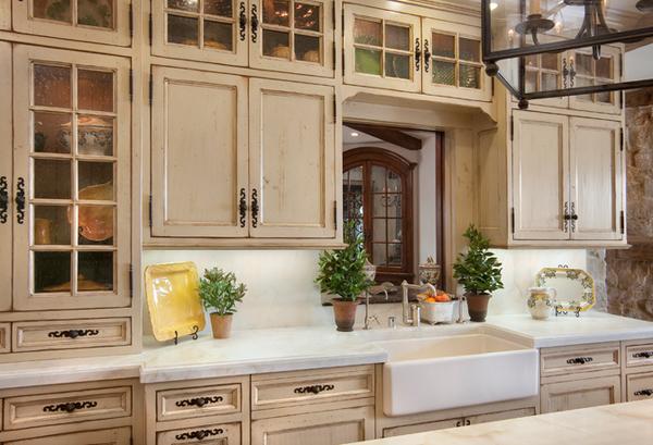 20 Amazing Antique Kitchen Cabinets | Home Design Lov