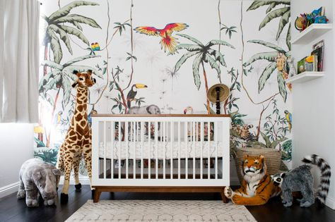 A Colorful Jungle Safari Nursery | Jungle nursery boy, Safari .