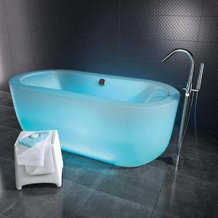 Colored bathtu