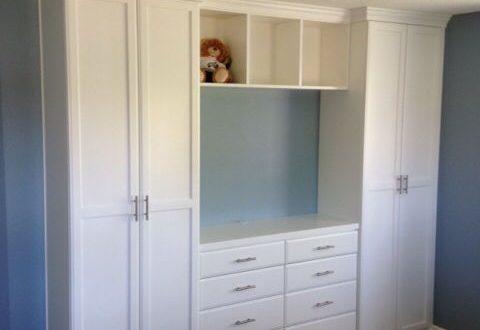 Closet and TV Cabinet for the Bedroom. Cute! | Diseño de closet .