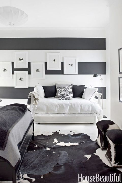 15 Beautiful Black and White Bedroom Ideas - Black and White Dec