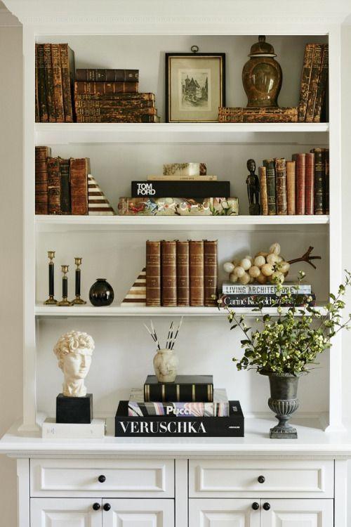 Bookshelf Decorating Ideas | Decoração de estantes, Decoração de .