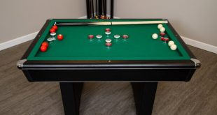 Hathaway Games 4.5' Bumper Pool Table with Accessories & Reviews .