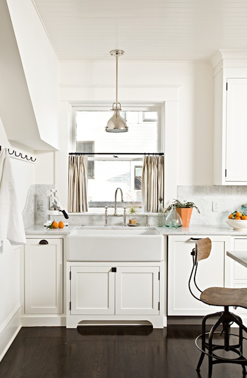 Kitchen Cafe Curtains - Transitional - kitchen - Jessica Helgerson .