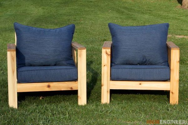 Two DIY Outdoor Chair Projects for Your Yard or Patio   Pallet .