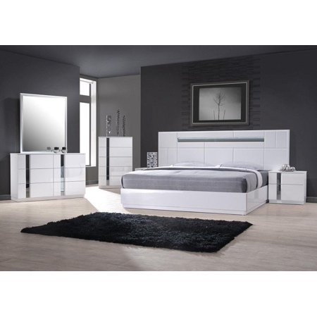 Contemporary Queen Bedroom Set in White Lacquer and Chrome Set .