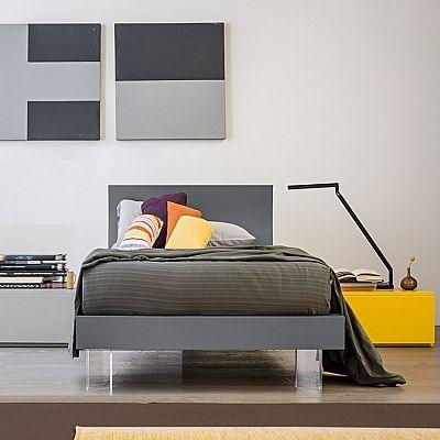 Italian minimalist design single bed 'Robin' by Mobilstella .