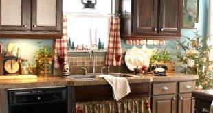 75 Cozy Christmas Kitchen Décor Ideas | Country kitchen decor .