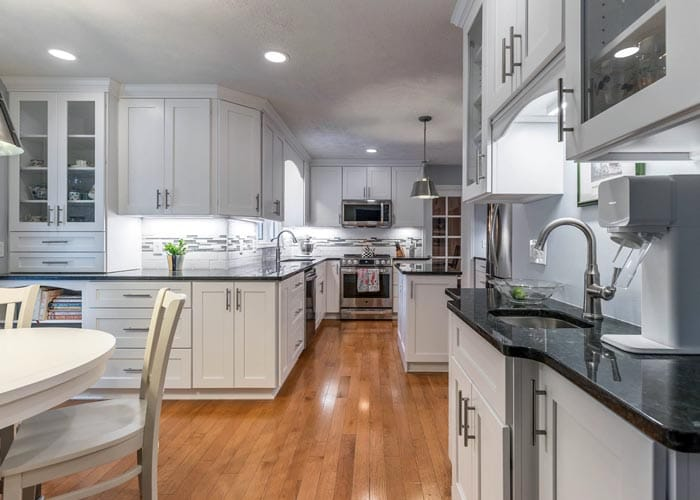 Custom Kitchen Cabinets   Kitchen Cabinet Contractors in Lansing