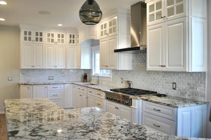 white-custom-kitchen-cabinets-TB05 - Fairfield Custom Kitche