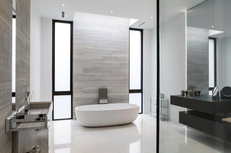 ASK A DESIGNER: Small touches create a great master bathro