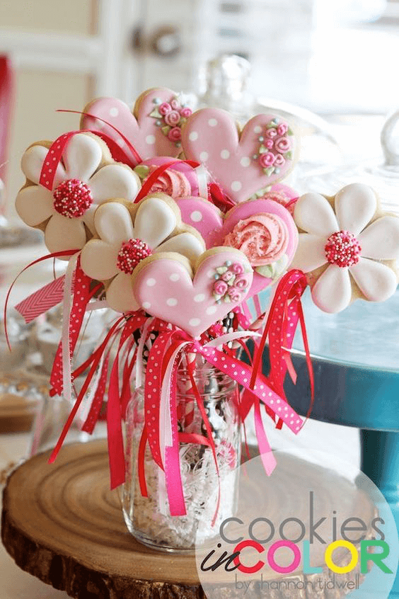 23 Easy-To-Make Baby Shower Centerpieces & Table Decoration Ide