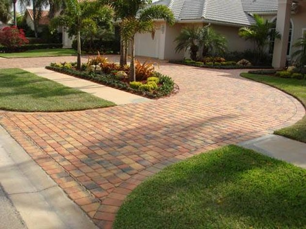 15 Practical Driveway Ideas Perfect for Any Budg
