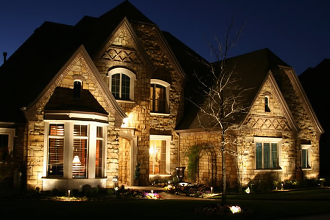 5 Exterior Lighting Tips To Show Off Your House At Night | The .