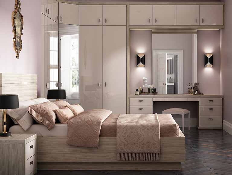 Advantages and disadvantages of fitted bedroom furnitu