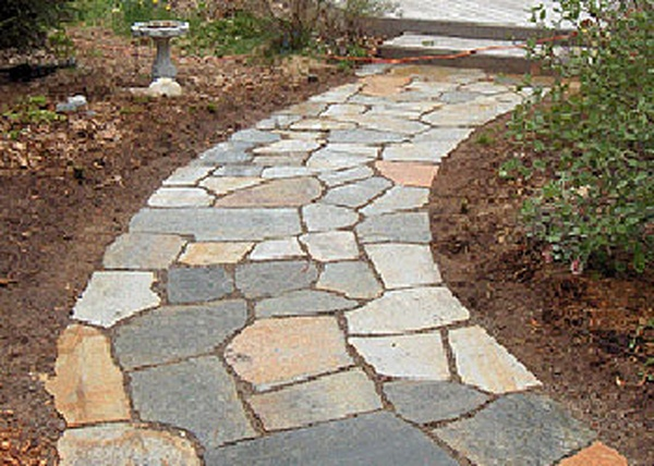 Top 3 Ways To Use Flagstone In Your Landscaping | Peninsula Pave
