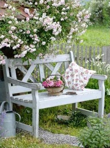 Garden Bench Ideas for Relaxing Area in Your Garden | Garden .