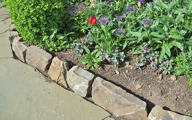 More Garden Edging: 9 Creative Ideas! | The Garden Glo
