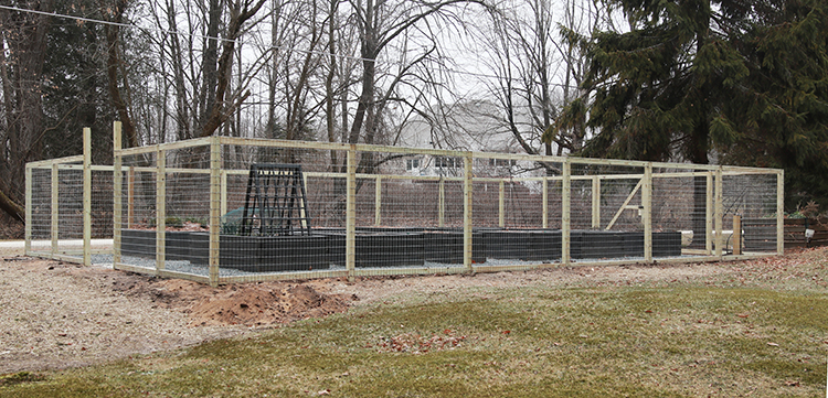 A garden fence ... finally! | The Impatient Garden