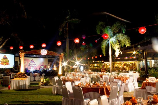 Gazebo Garden Restaurant - Picture of Ayola Tasneem Convention .
