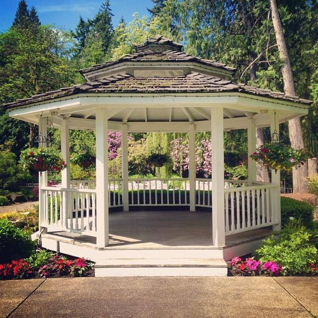Outdoor Gazebo Wedding – Garden Wedding | Lakeside Gardens Even