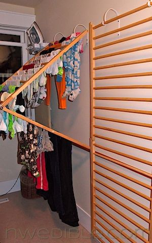DIY Wall-Mounted Clothes Drying Rack | Clothes drying racks, Home .