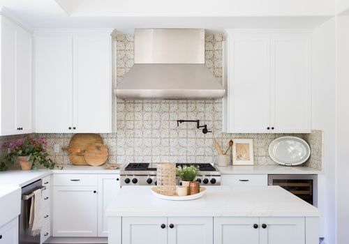 27 Kitchen Tile Backsplash Ideas We Lo