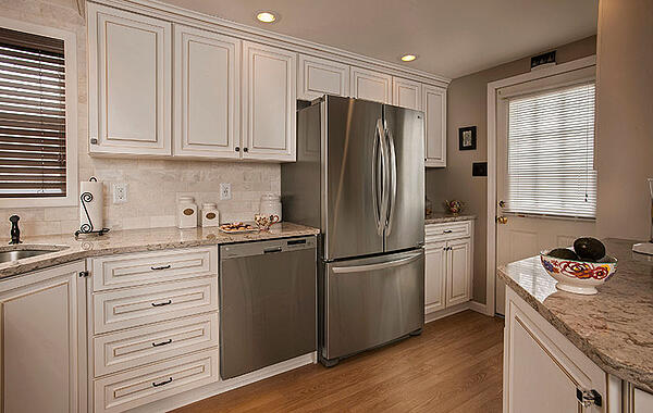 The Best Kitchen Colors & Designs for Resale Val