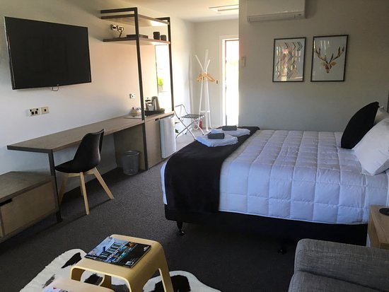 deluxe studio - no kitchen - Picture of Arrowtown Motel Apartments .