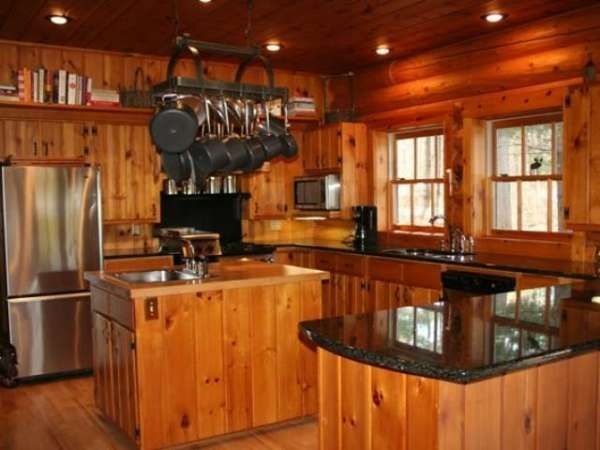 Granite and knotty pine are a perfect match | Cabin kitchens, Pine .