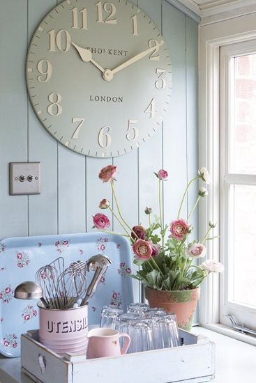 Pin by The Crafty Quilter on For the Home   Shabby chic homes .