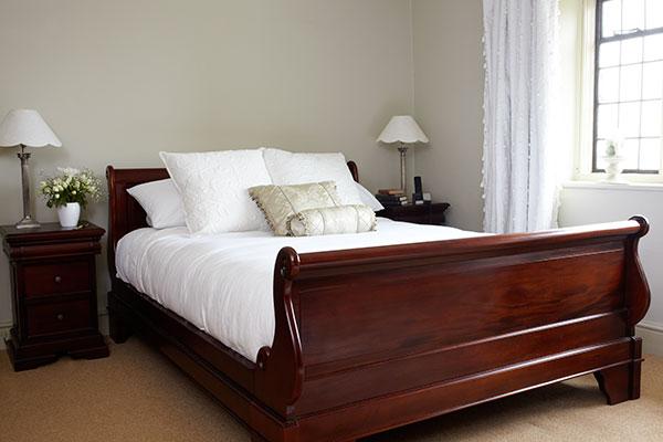 discount bedroom furniture: Solid Mahogany Bedroom Furnitu
