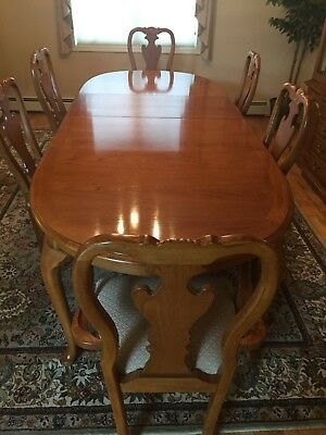 Thomasville Oak Dining Room Set with Hutch | eB