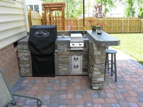 Affordable Ideas for Amazing Outdoor Kitchens | Small outdoor .