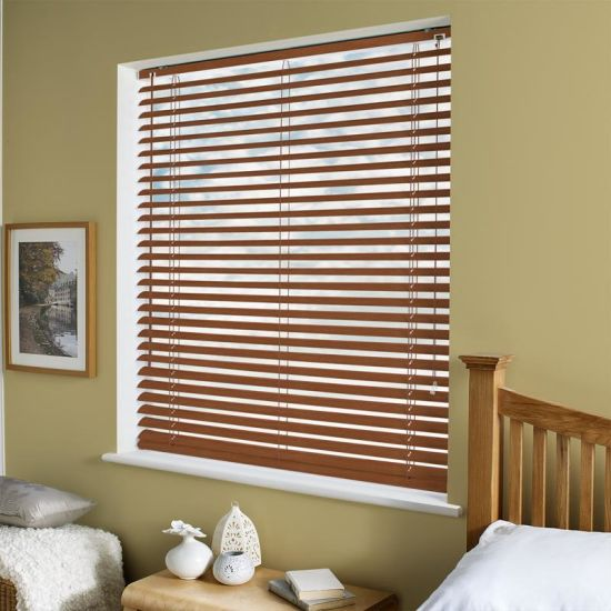 China Indoor Outdoor Manual 25mm Slats Wooded Venetian Blinds .