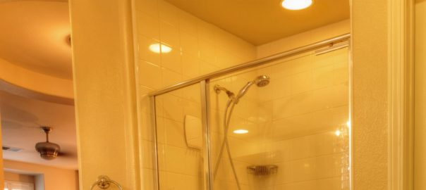 4 Ways to Use Recessed Lighting in Small Bathroo