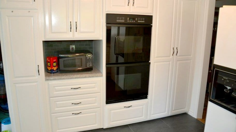 Replace or reface? Considerations for refacing kitchen cabinets .