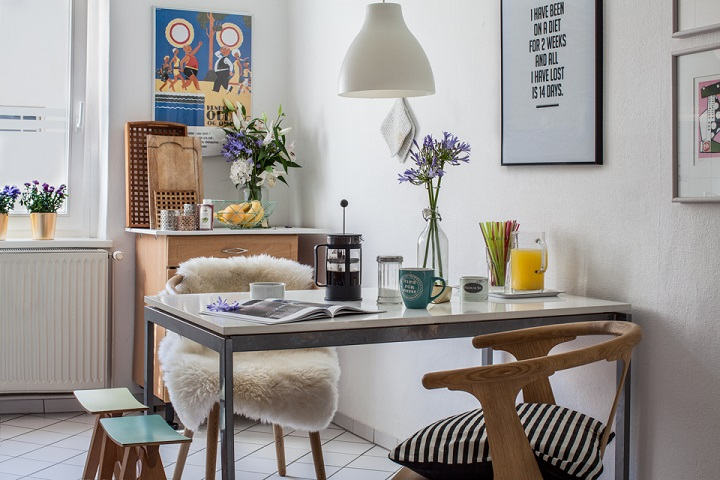 10 Stylish Table - Eat In Small Kitchen Ideas | Decohol