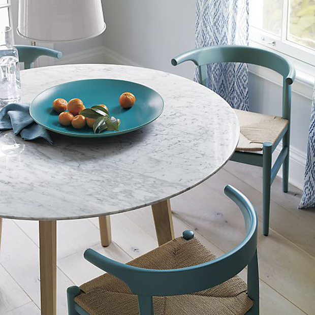 On the Hunt for a Round Dining Table // The Fox and S