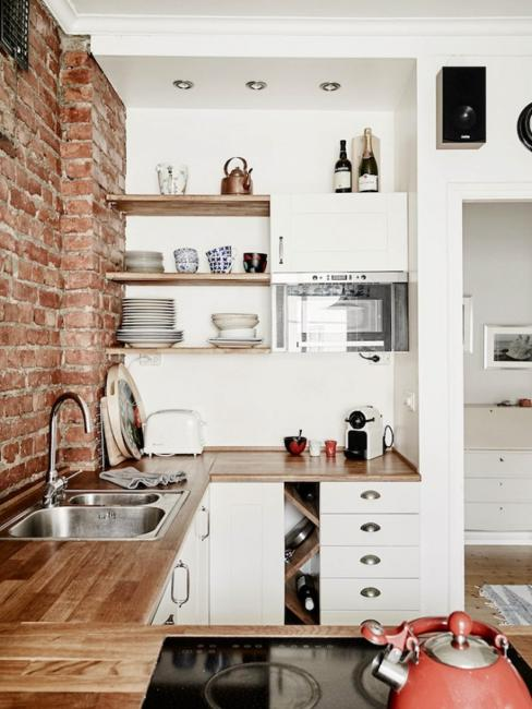 25 Space Saving Small Kitchens and Color Design Ideas for Small Spac