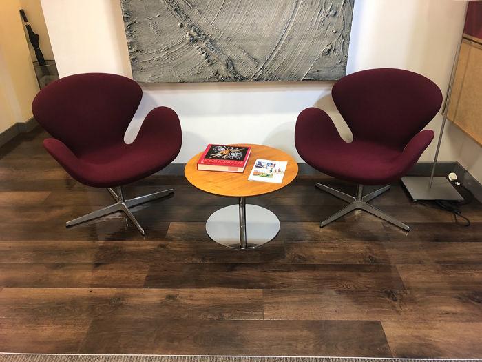 Arne Jacobsen - Fritz Hansen - Chair (2) - Swan Chair - Catawi
