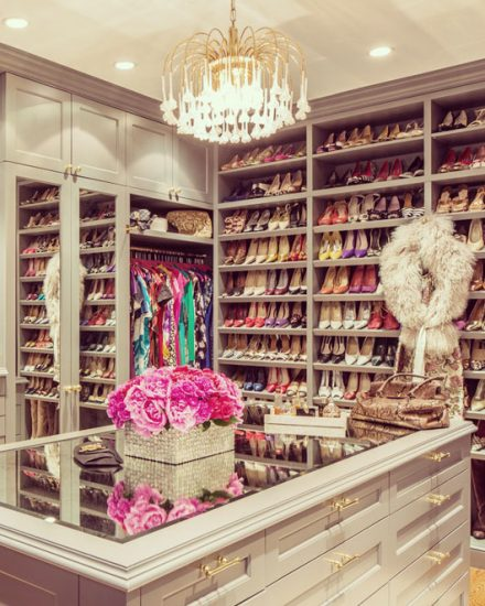11 Walk-In Closets that You Will Never Want to Lea
