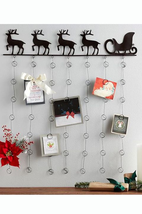 30 Best Christmas Wall Decor Ideas - Holiday Wall Decoratio