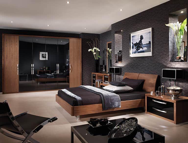 Capri bedroom in American Black Walnut & High Gloss Black | Black .