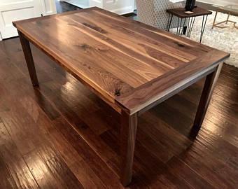 Walnut dining table | Et