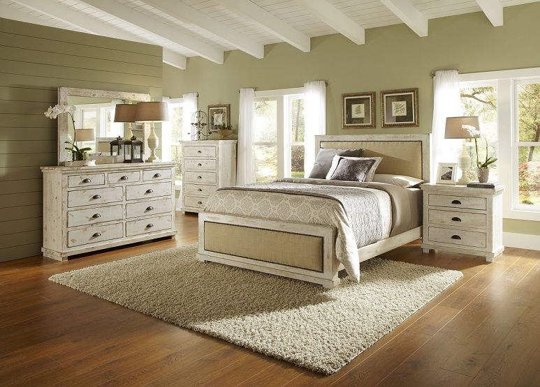 White Distressed Bedroom Furniture | Distressed white bedroom .