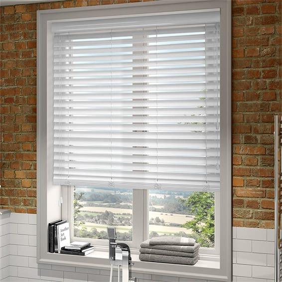 Get White venetian blinds of Quality - Decorifus
