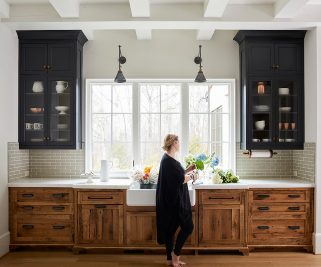 5 Farmhouse-Style Kitchens With Wood Cabine