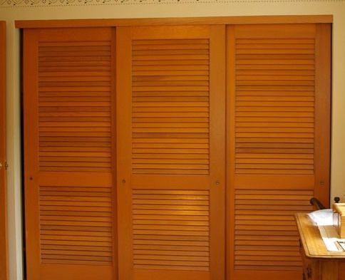 Nod to shutters louvered sliding closet door ideas | Wood sliding .